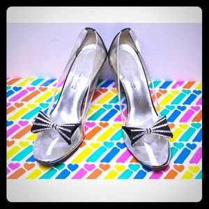 NORMAN KAPLAN Las Vegas Clear Pumps with Black bow